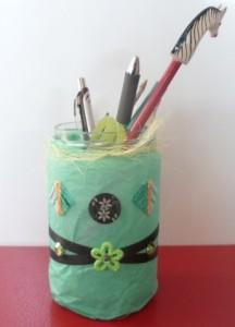 pot-a-crayons-bureau-216x300